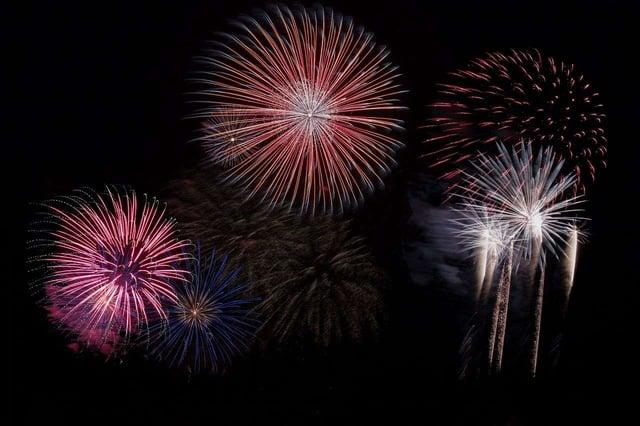fireworks-879461_1280.jpg