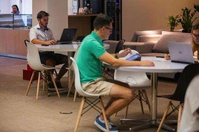 """Horário flexível, sofás e funcionários de bermuda: Gerdau muda cultura e aposta em ambiente """"Google"""""""